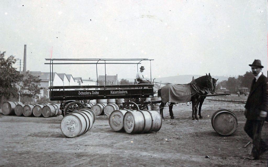 Schuster und Sohn Pfederwagen 1908